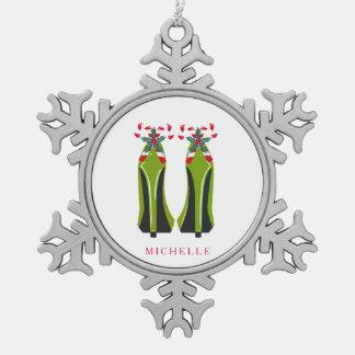 Grüner hoher Heels mit Zuckerstangen Schneeflocken Zinn-Ornament
