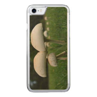 Grüner Kieme-Pilz Carved iPhone 8/7 Hülle