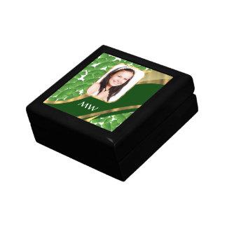 Grüner Kleeblatt-Fotohintergrund Geschenkbox