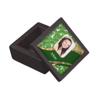Grüner Kleeblatt-Fotohintergrund Schachtel