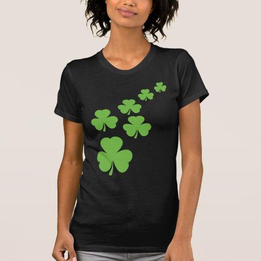 grüner Kleeblattregen T-shirt