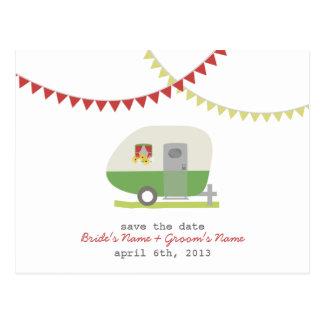 Grüner Retro Anhänger, der Save the Date Postkarte
