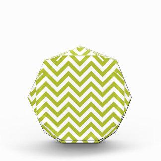 Grüner und weißer Zickzack Stripes Zickzack Muster Acryl Auszeichnung
