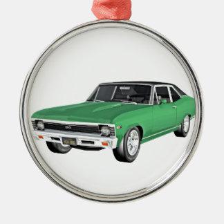 Grünes Auto des Muskel-1968 Rundes Silberfarbenes Ornament