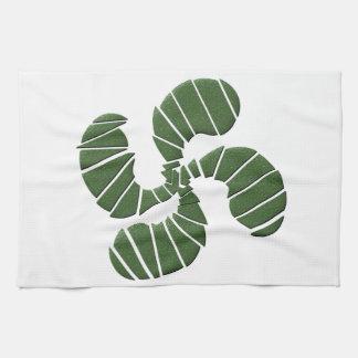 Grünes baskisches Kreuz Handtuch