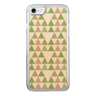 Grünes Baum-Kohl-Grün-Dreieck-geometrisches Mosaik Carved iPhone 8/7 Hülle