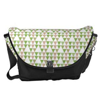Grünes Baum-Kohl-Grün-Dreieck-geometrisches Mosaik Kuriertaschen