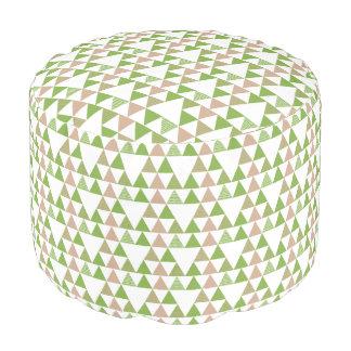 Grünes Baum-Kohl-Grün-Dreieck-geometrisches Mosaik Runder Sitzpuff