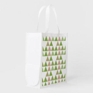Grünes Baum-Kohl-Grün-Dreieck-geometrisches Mosaik Tragetaschen