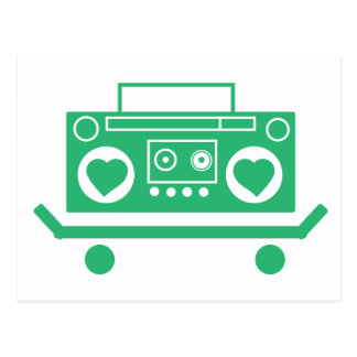 Grünes boombox mit Herzen für Lautsprecher auf Postkarte