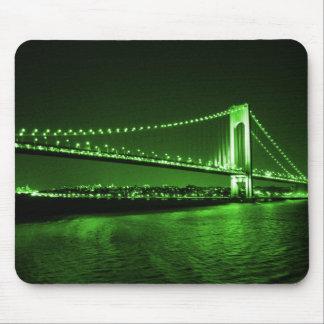 Grünes Brücke Kelly mousepad