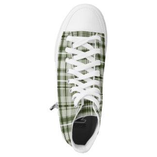 Grünes des Hipsters kariertes und weißes Hoch-geschnittene Sneaker