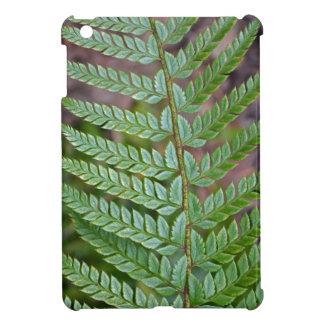 Grünes Farnblatmuster iPad Mini Hülle
