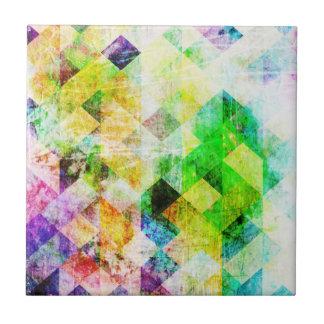 Grünes geometrisches Grungy Diamant-Muster Keramikfliese