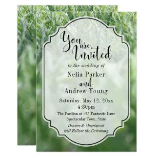 Grünes Gras-Foto für lässige Hochzeit im Freien 12,7 X 17,8 Cm Einladungskarte