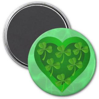 Grünes Herz mit Kleeblättern Runder Magnet 7,6 Cm