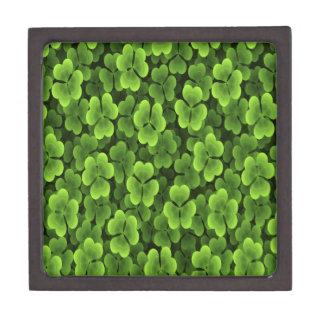 Grünes Kleeblatt-Pflanzen-Muster Kiste