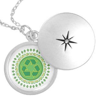Grünes Medaillon, das Zeichen recycelt Medaillon