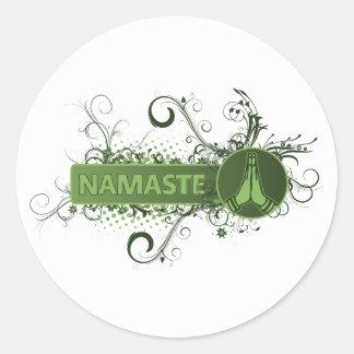 Grünes Namaste Englisch Runder Aufkleber