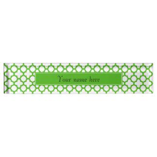 Grünes Quatrefoil Muster Kelly
