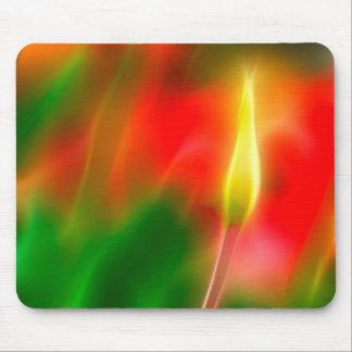 Grünes, rotes und gelbes Tulpe-Glühen Mousepads