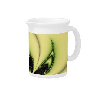 Grünes Schmetterlings-Fraktal Getränke Pitcher