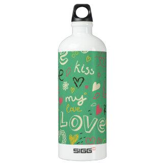grünes schwarzes Brettkreide-Liebe-Sprachmuster Wasserflasche