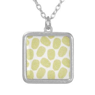 Grünes Thumbprints Muster Amulett