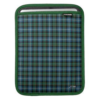 Grünes und blaues Clan MacRae Jagdtartan-Monogramm iPad Sleeve