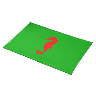 Grünes und rotes Küstenweihnachtsdekor-Seepferd Stofftischset