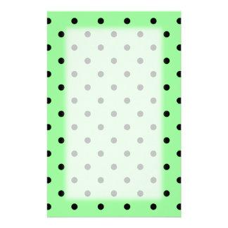 Grünes und schwarzes Tupfen-Muster Personalisiertes Druckpapier