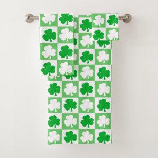 Grünes und weißes irisches Kleeblatt-Schachbrett Badhandtuch Set