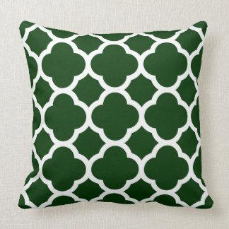 Grünes und weißes Quatrefoil Muster Zierkissen