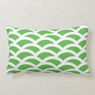 Grünes und weißes Wurflumbar-Kissen Lendenkissen