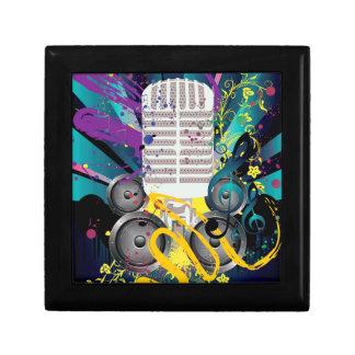 Grunge-Lautsprecher und Microphone3 Erinnerungskiste