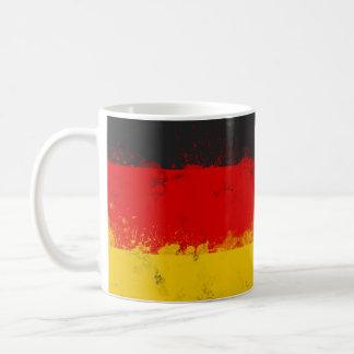 Grunge-Spritzer gemalte Flagge von Deutschland Kaffeetasse