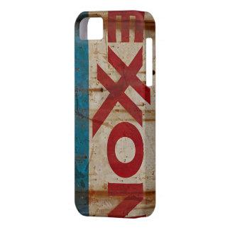 Grungy, oben geschlagen und rostiges Exxon-Zeichen Barely There iPhone 5 Hülle