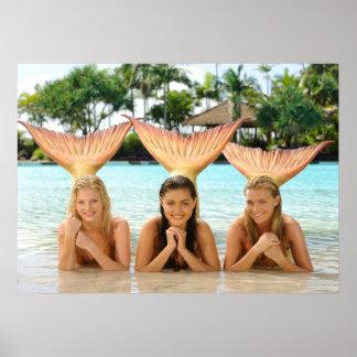 Gruppe auf dem Strand Posterdrucke