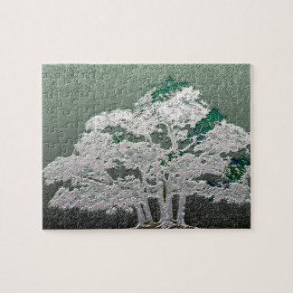 Gruppe Bonsais-Bäume im metallischen Grün Puzzle