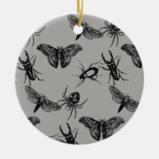 Gruseliges Crawly Keramik Ornament