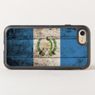 Guatemala-Flagge auf altem hölzernem Korn OtterBox Symmetry iPhone 8/7 Hülle
