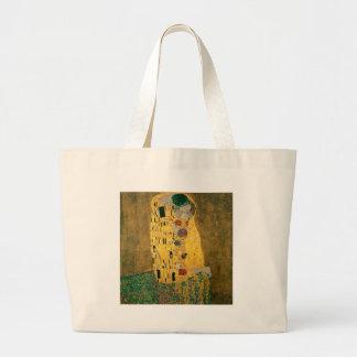 Gustav Klimt //der Kuss //Der Kuss Tragetaschen