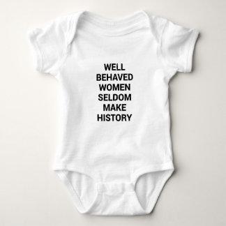 Gut benommene Frauen machen selten Geschichte Baby Strampler