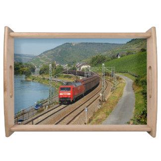 Güterzug in Lorch am Rhein Serviertablett