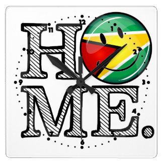 Guyana-Flaggen-smiley Housewarmer Quadratische Wanduhr