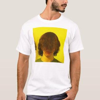 Haar über dem T - Shirt der Gesichts-Typmänner