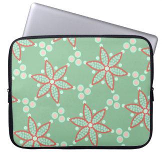 Haben Sie Blumen mit retro Stellen auf Pastellgrün Laptopschutzhülle