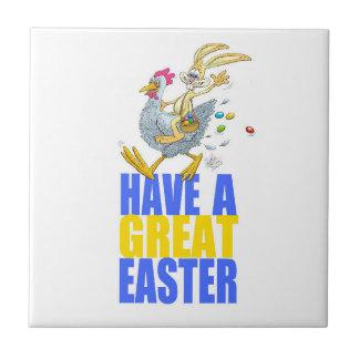 Haben Sie ein großes Ostern, das Häschen, das ein Kleine Quadratische Fliese