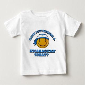 Haben Sie einen Nicaraguaner heute umarmt? Baby T-shirt