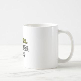 Haben Sie keine Furcht, der Rechtsassistent ist Kaffeetasse